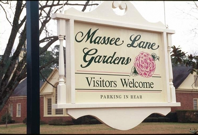 Massee Lane Hours, Admission & Directions