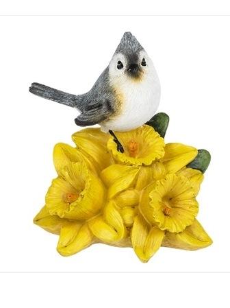 Tuffed Titmouse on Daffodil